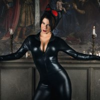 We Love These Jaw-Dropping Catwoman Cosplays